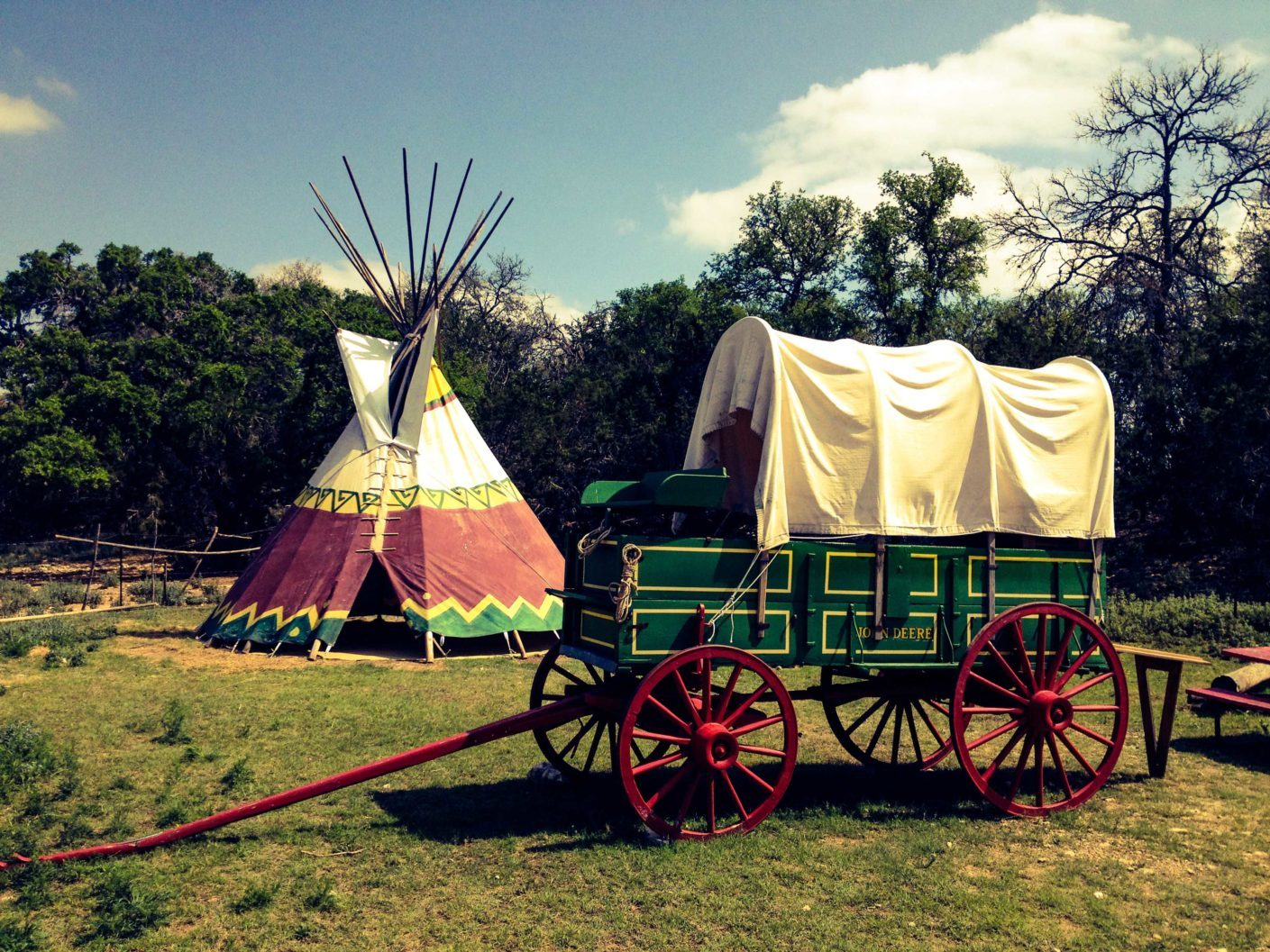 Deere Wagon & TeePee (Edit)